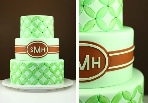 green monogramed wedding cake