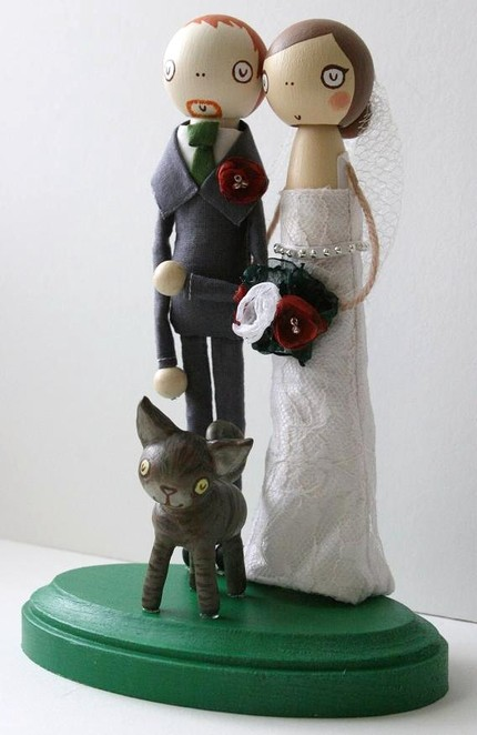 bride and groom caketopper