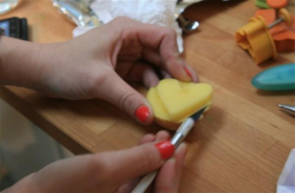 Hens & Chicks: Potato stamping DIY 14