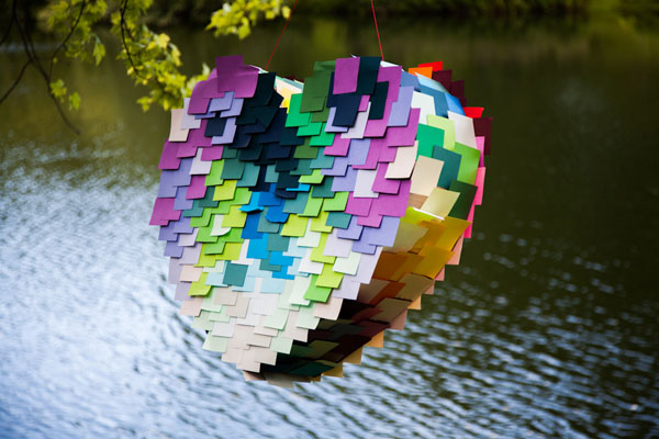 Post-it heart pinata
