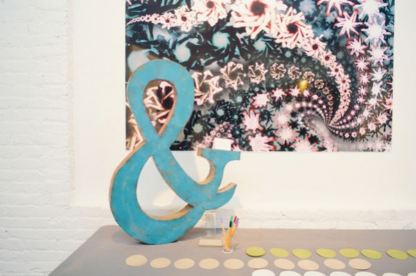 escort card table with ampersand