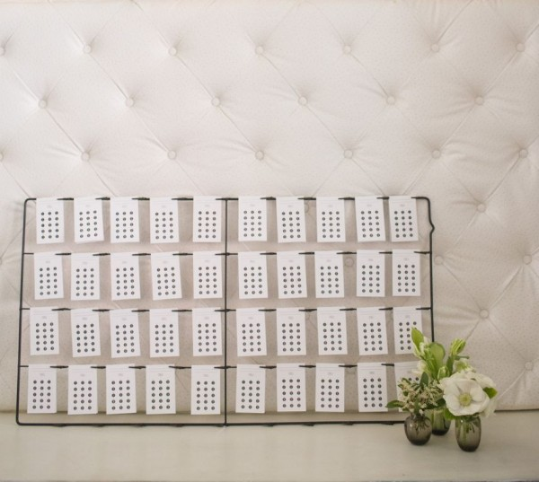 modern black and white seating chart