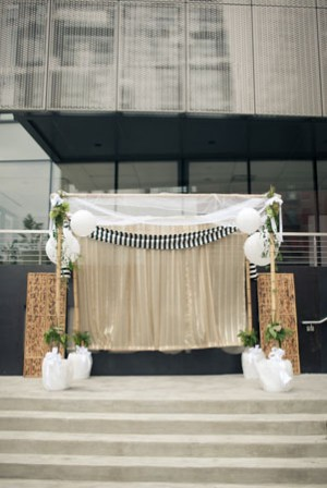 black and white ceremony backdrop
