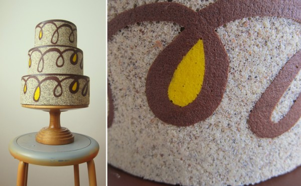 M. Robin graphic swirl wedding cake