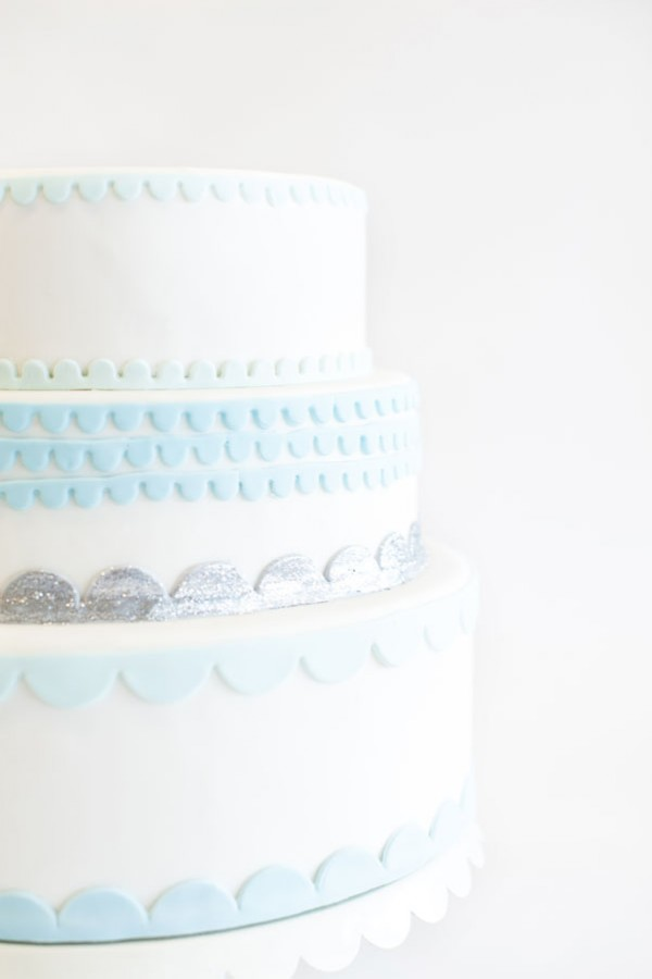 blue & silver scalloped cake