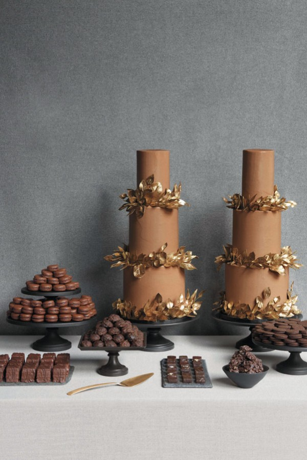 gold and chocolate wedding cakes