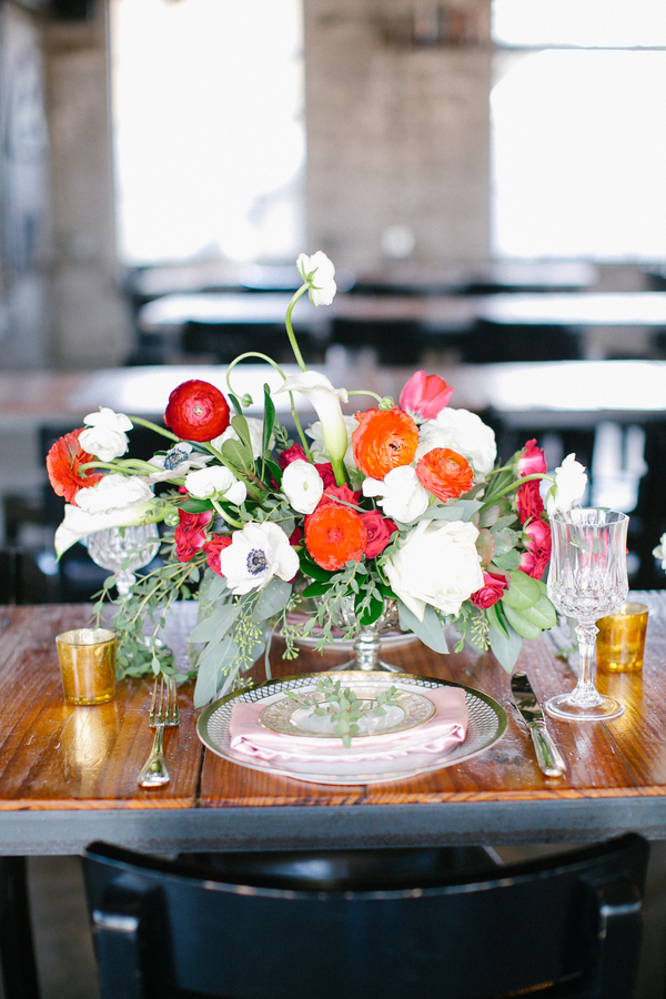 red and white modern centerpiece