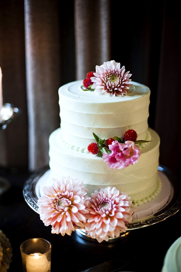 buttercream wedding cake with florals