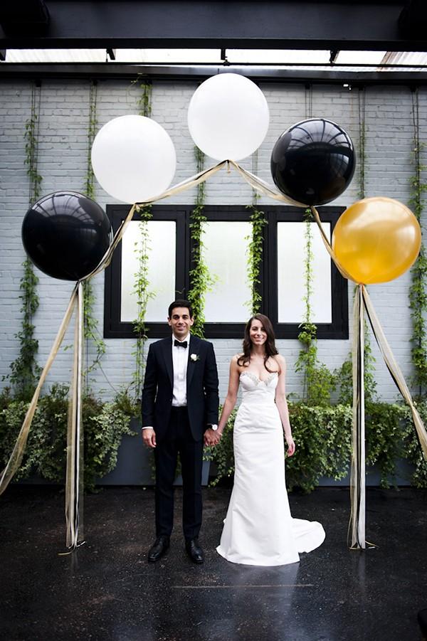 wedding balloon arch