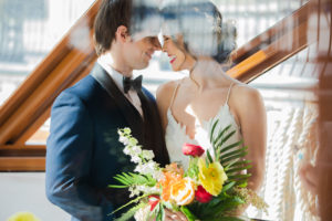 Modern Tropical NYC Yacht Wedding by Veronica Phogoraphy-15
