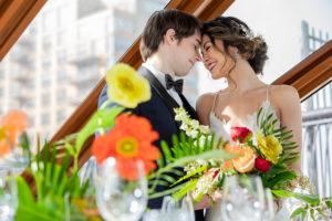 Modern Tropical NYC Yacht Wedding by Veronica Phogoraphy-16
