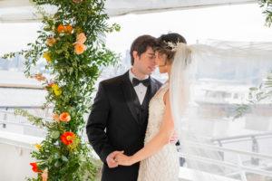 Modern Tropical NYC Yacht Wedding by Veronica Phogoraphy-17