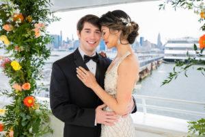 Modern Tropical NYC Yacht Wedding by Veronica Phogoraphy-19
