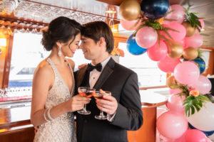 Modern Tropical NYC Yacht Wedding by Veronica Phogoraphy-21