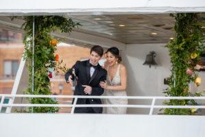 Modern Tropical NYC Yacht Wedding by Veronica Phogoraphy-26