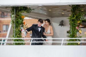 Modern Tropical NYC Yacht Wedding by Veronica Phogoraphy-27