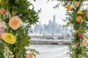 Modern Tropical NYC Yacht Wedding by Veronica Phogoraphy-6